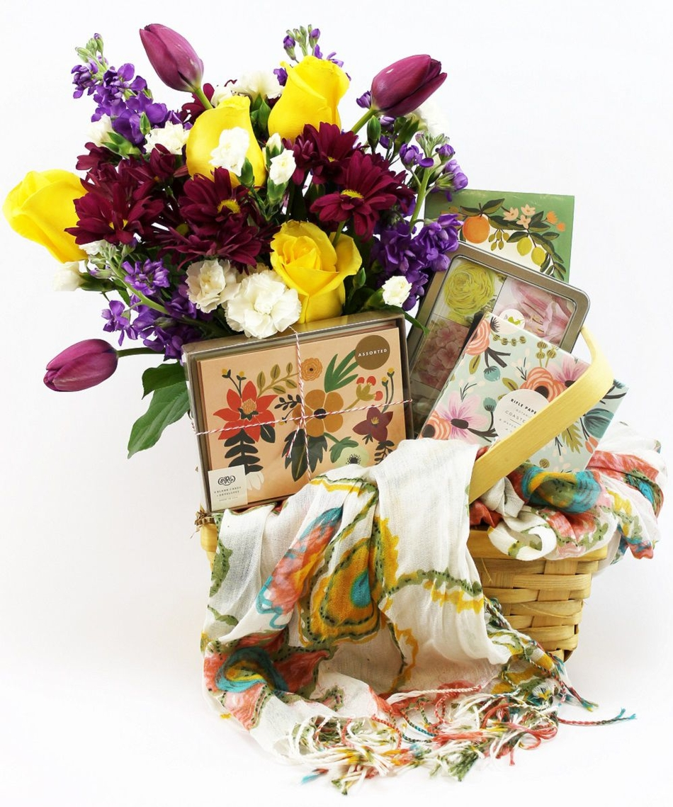 Gift mom with unique flower arrangements flowering plants goodies v6 mothers day ordering and delivery schedule izmirmasajfo